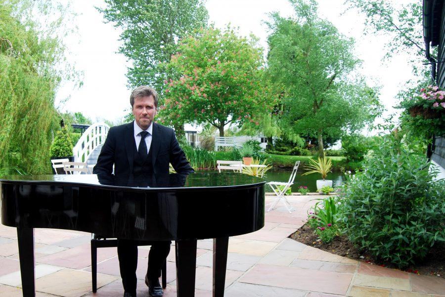 High House Wedding Venue Essex Burnham On Crouch Phillip Keith Wedding Pianist