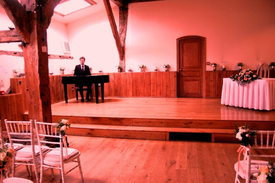 Winters Barns Canterbury Kent Wedding Pianist Phillip Keith